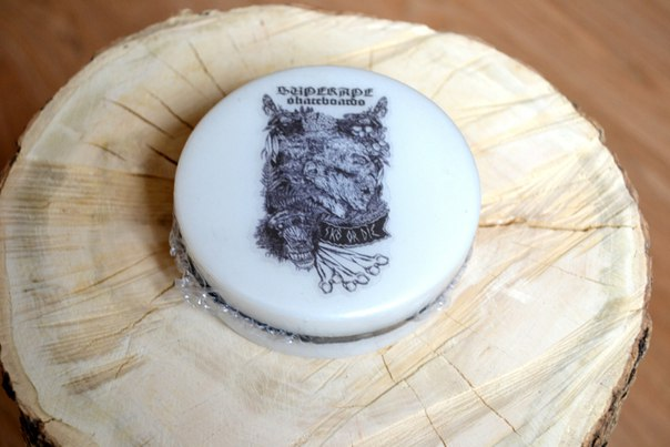 SuperApe Skateboards White monkey slide pucks